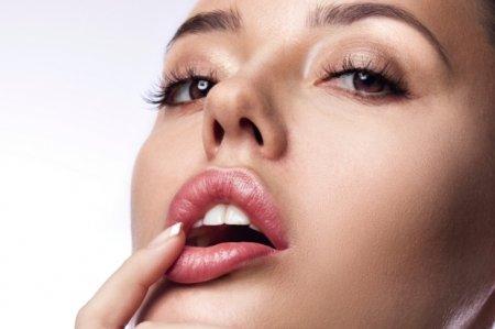 Как правильно ухаживать за губами зимой