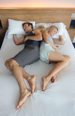 О чем говорят позы сна влюбленных