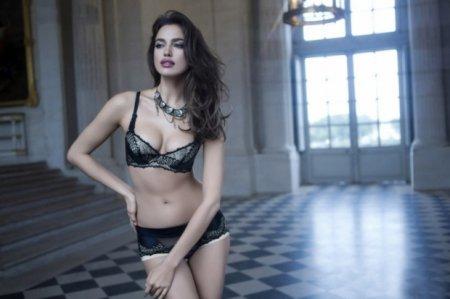 Ирина Шейк в рекламе нижнего белья La Clover к Дню святого Валентина
